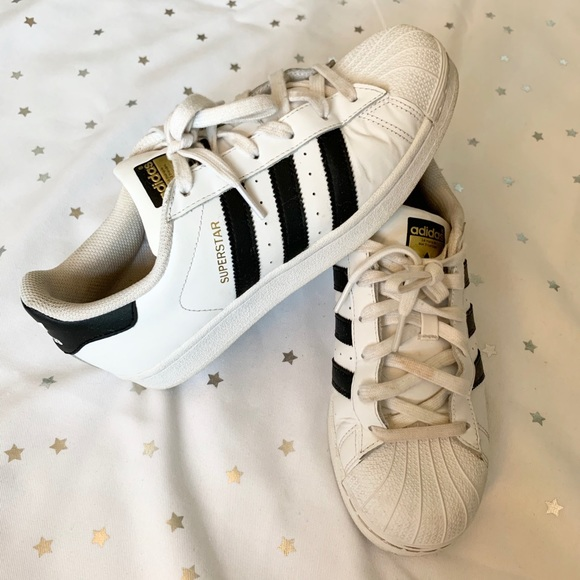 Classic Shell Toe Superstar Sneakers